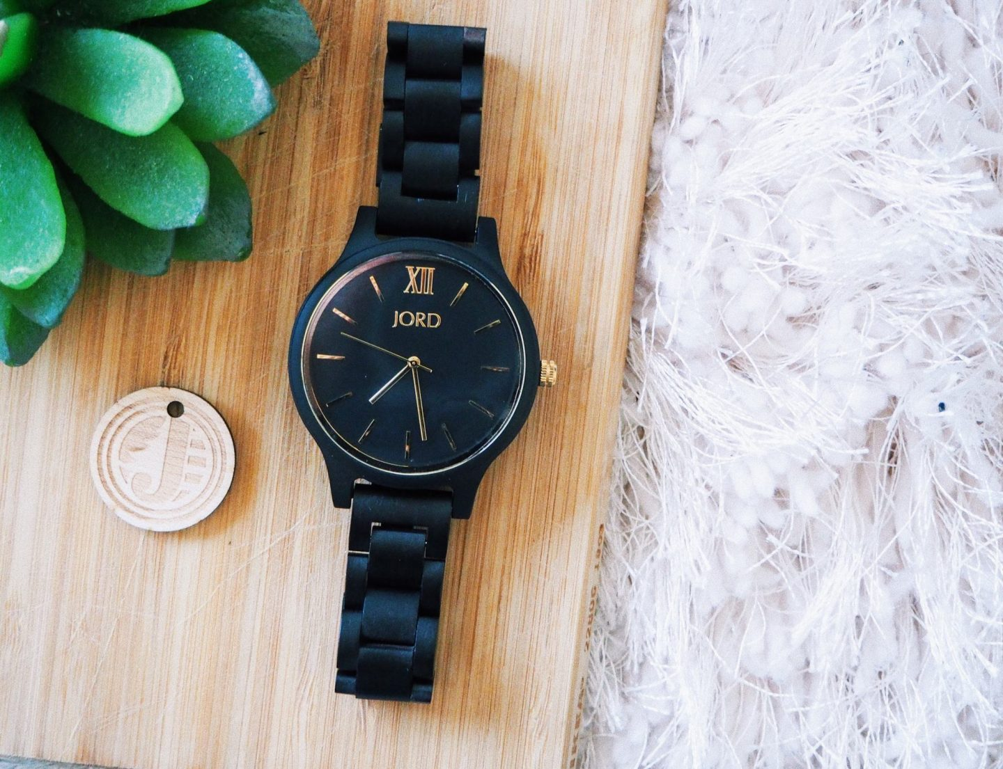 The Wooden Watches To Invest In This Winter || Jord Watches - watch close up