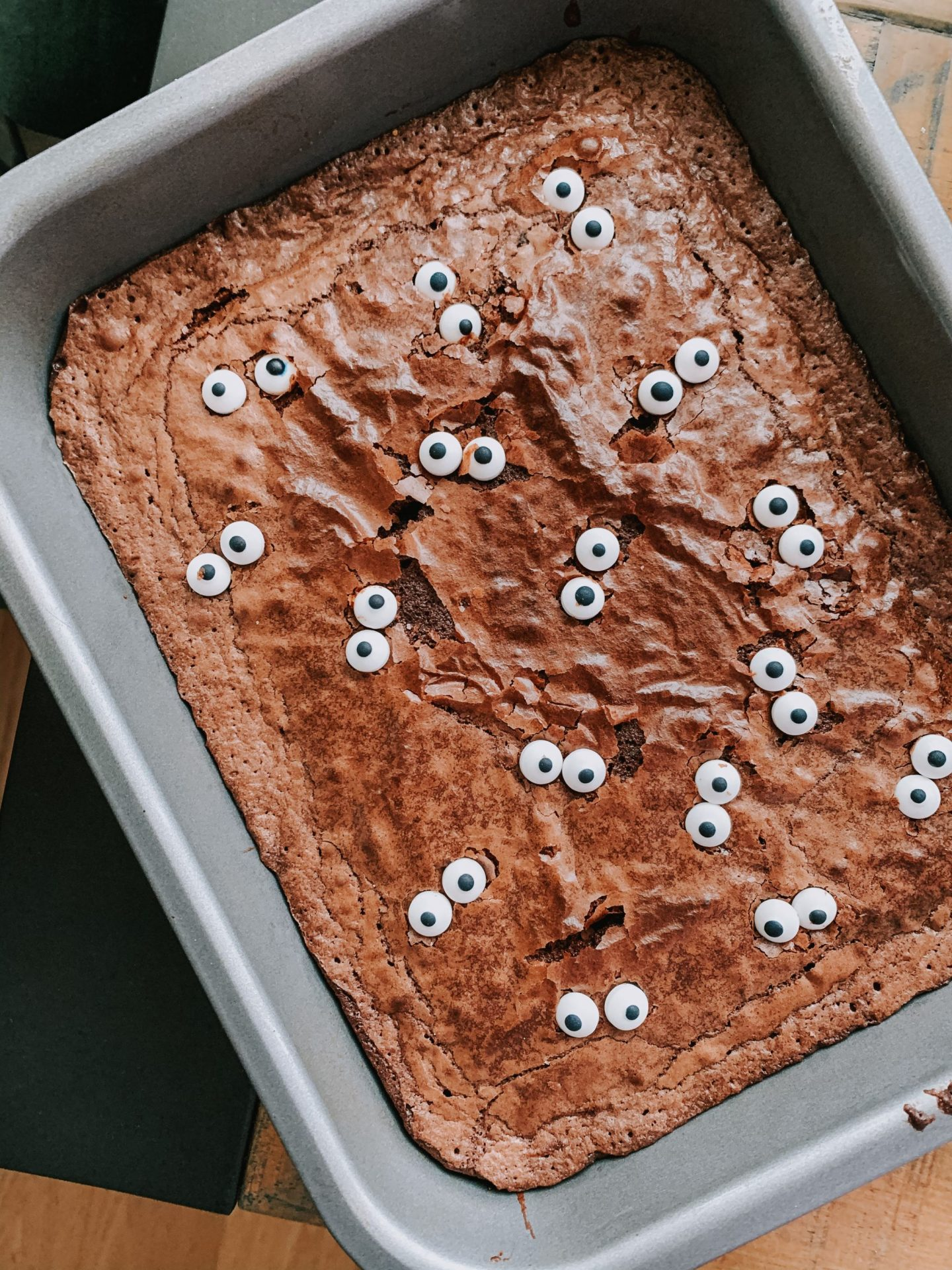 5 Spooky Toddler Activities - brownies with googley eyes